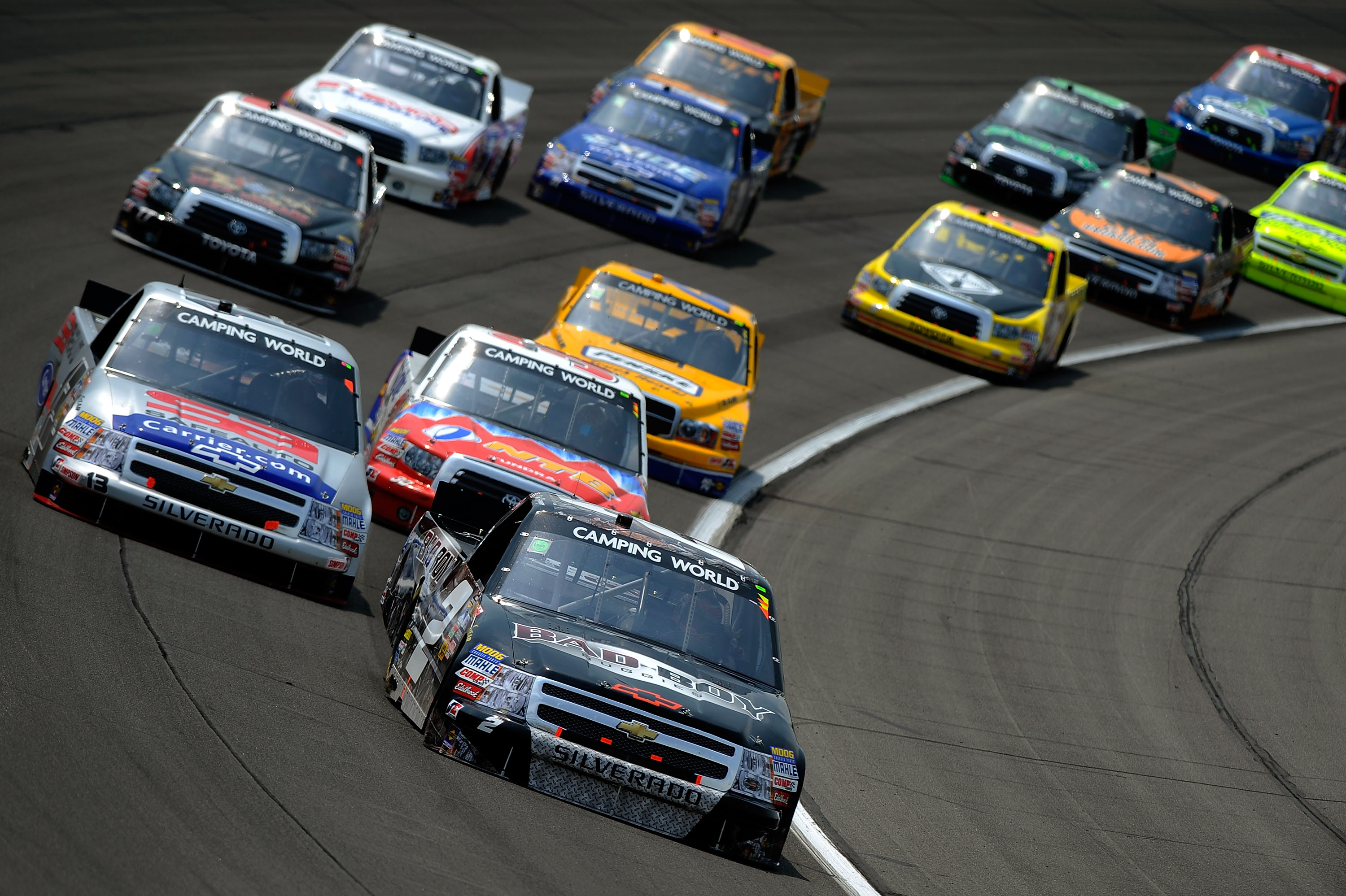 Do Nascar Cars Have Fuel Gauges Kansas Ncwts Bowyer Leads Late